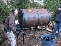 compost-tumbler-rotating