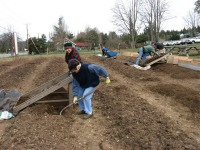 soil-sifters-at-work-mar09