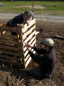 how to build wood composter