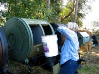 compost-third-tumbler-apples-go-in