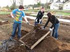 high-school-history-class-sifting-soil