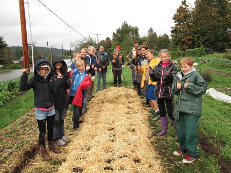wellington school garlic planting done_0429